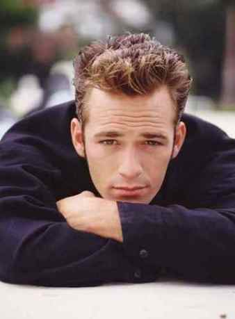 luke-perry-queen_gina-dylan-mckay-21531872-368-500